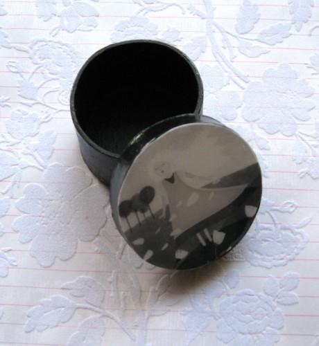 Iris boîte ronde 5 cm photo ouverte.jpg