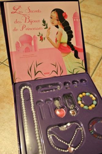 mon coffret de princesses et de bijoux, auzou, fille